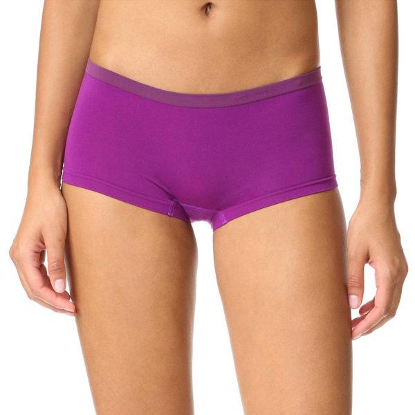 Calvin Klein fialové nohavičkové kalhotky Boyshort. Luxusní dámské kalhotky  s nohavičkami ... 1c49df2bff